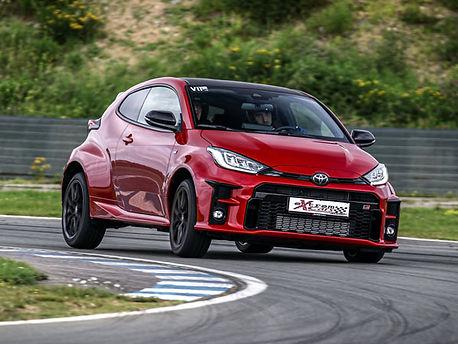 Location Toyota Yaris GR sur circuit - Extrem Cars, Location de voiture de piste. Extrem Cars Location de voiture de sport et de prestige pour  le circuit, l'organisations d'évènements professionnels et les écoles de pilotage.