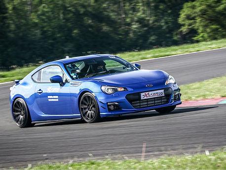 Location Subaru BRZ sur circuit - Extrem Cars, Location de voiture de piste. Extrem Cars Location de voiture de sport et de prestige pour  le circuit, l'organisations d'évènements professionnels et les écoles de pilotage.