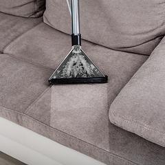 pulizia divani e poltrone a domicilio