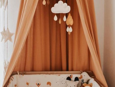 Décorer une chambre d'enfant avec des couleurs neutres