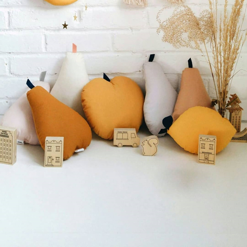 The Butter Flying Apple Pear cushion Coussins pomme poire