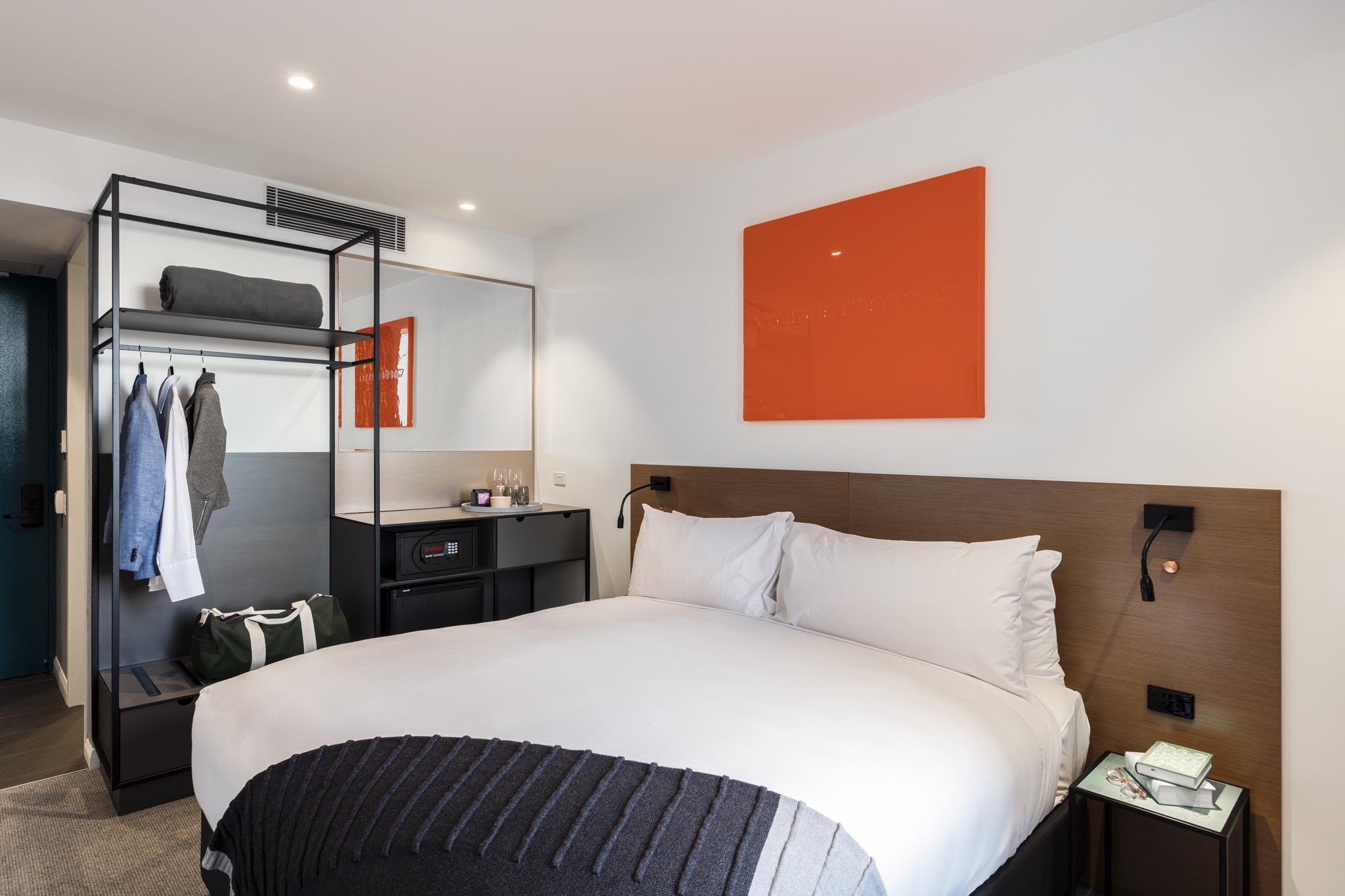 Premium Economy Room