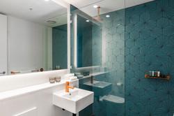 Premium Economy Room - Bathroom