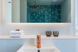 Business Class Room - Bathroom