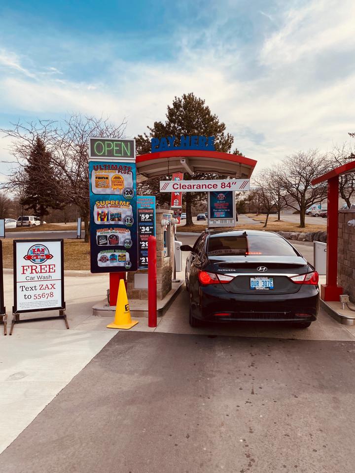 Self-serve pay station