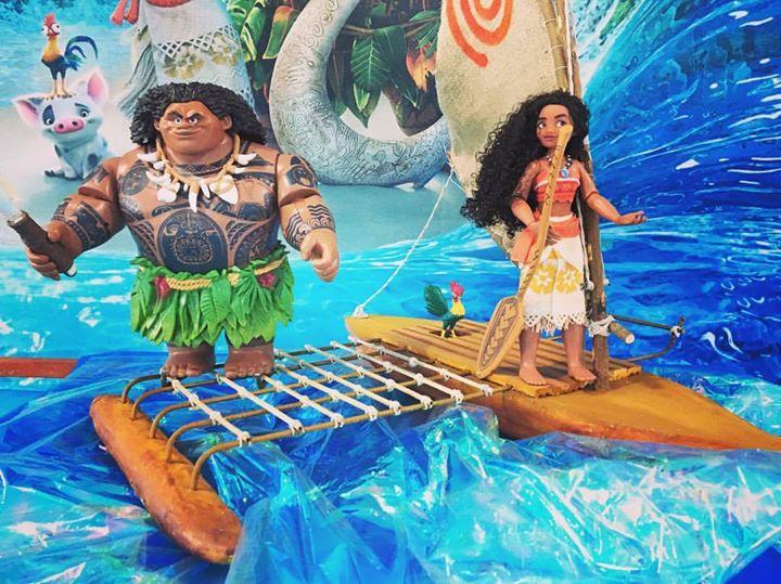 Aloha! Eu sou Moana de Motu Nui, e você