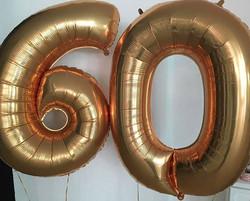 Balões metalizados de número, você encon