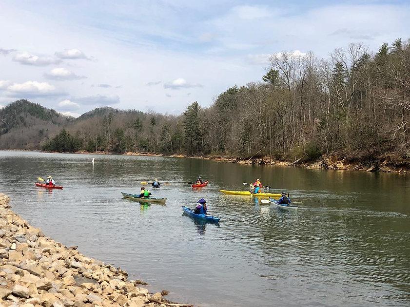 kayaks3.jpg
