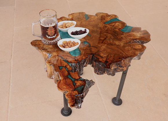 שולחן קפה מעץ ואפוקסי