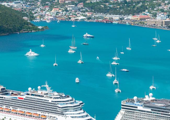 white-and-blue-cruise-ship-on-sea-366389