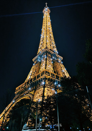 eiffel-tower-paris-during-night-time-178