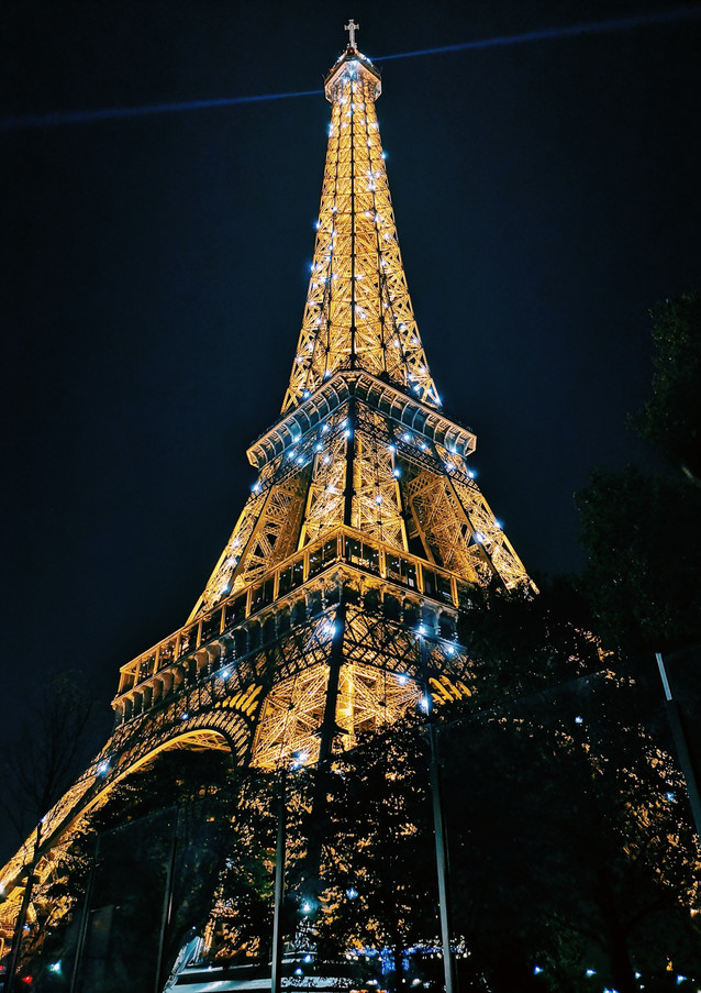 eiffel-tower-paris-during-night-time-178
