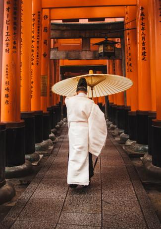 man-holding-an-umbrella-1822605.jpg