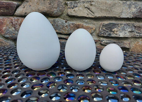 Set of 3 plaster eggs