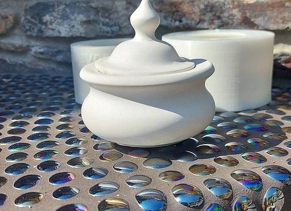 Medium trinket pot and lid