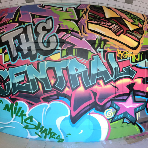 граффити в кафе The Central