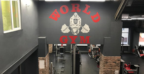Оформление стен World GYM