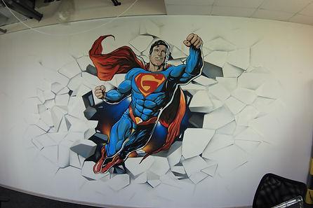 рисунок акрилом на стене в офисе