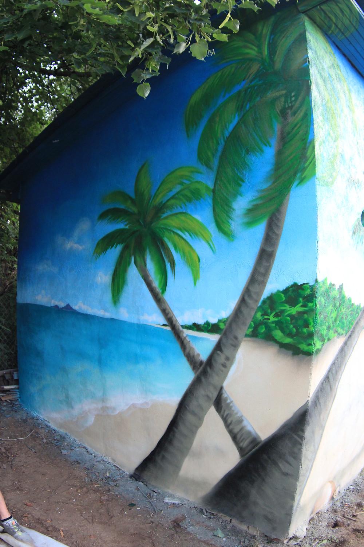 граффити оформление пальмы на пляже