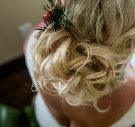 Bridal-blond-hair-updo243