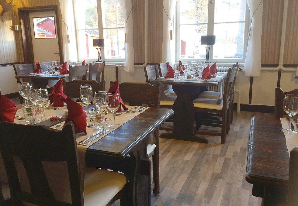 Diningroom_02.jpg