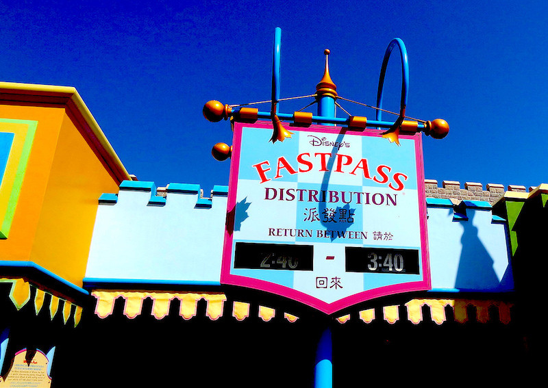 Disney Fast Pass Distribution sign