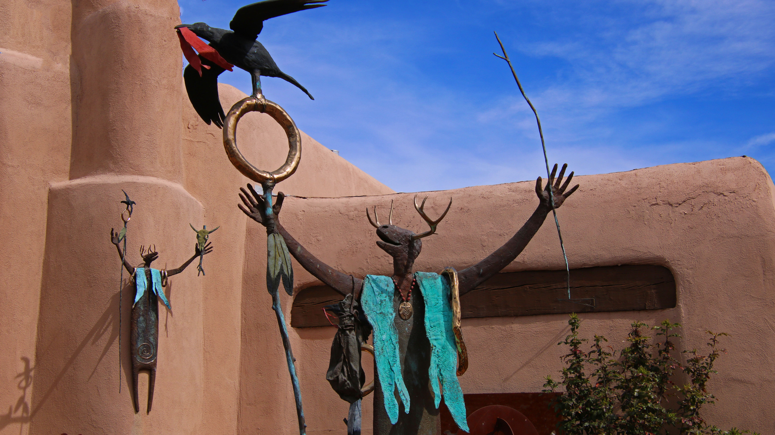 New Mexico sculpture outside of art gallery in Santa Fe