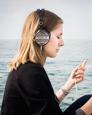 Woman%20listening%20to%20the%20music%20v