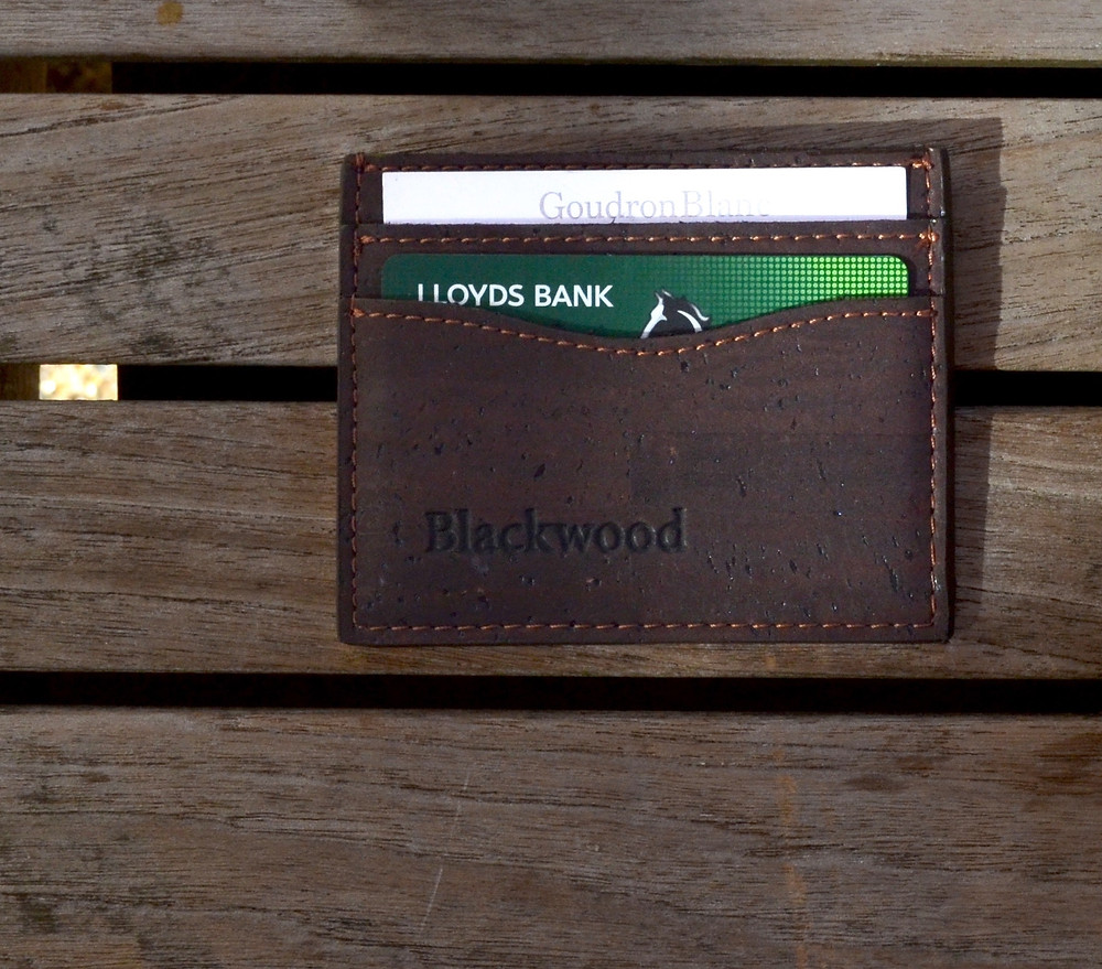 A wallet with credit cards that have travel notifications set