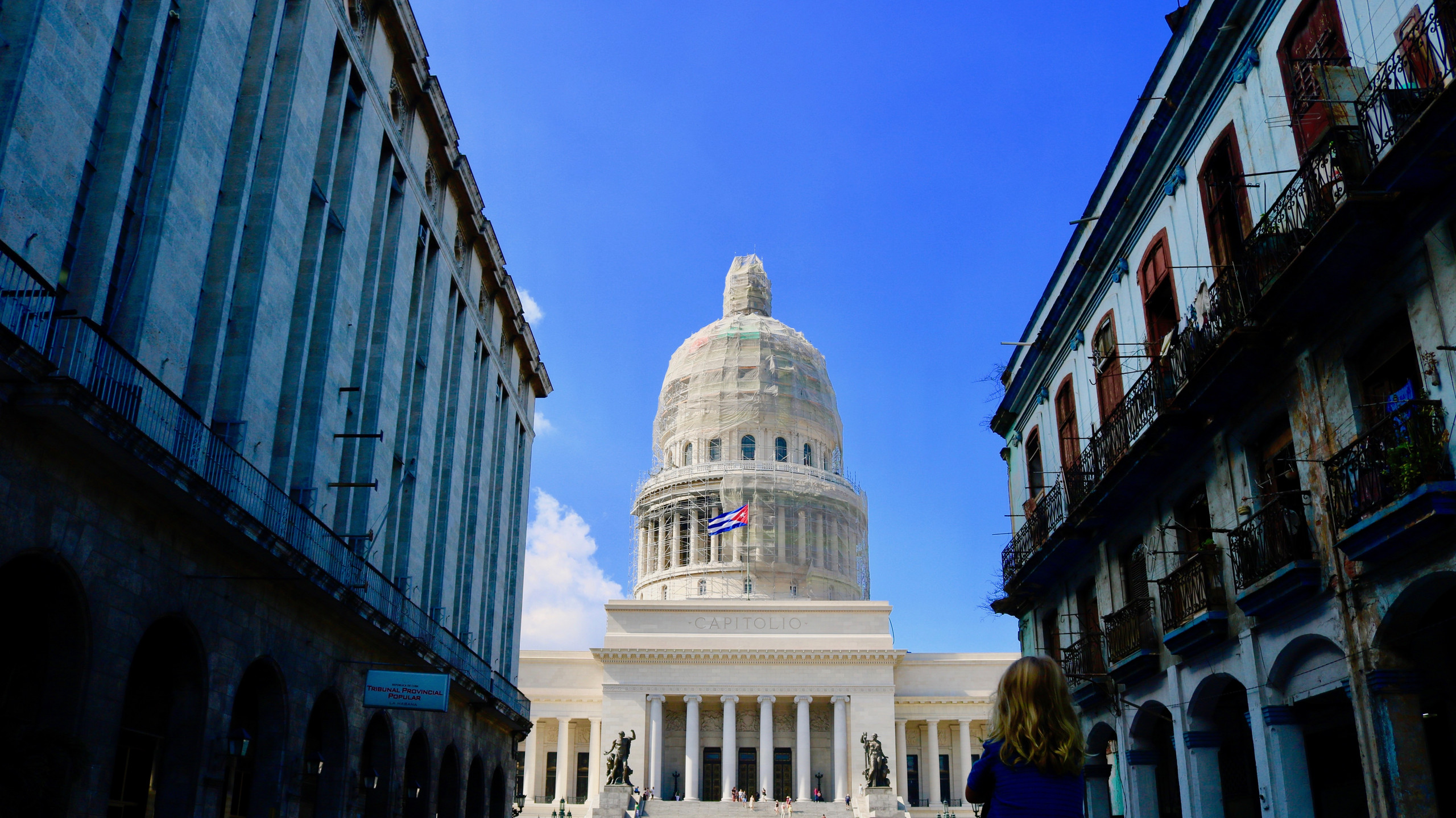 El Capitolo in Havana with the Cuban flag flying in front of it.