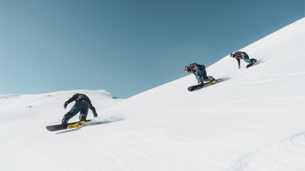 Snowboarders on gear rentals from Mammoth Lakes California