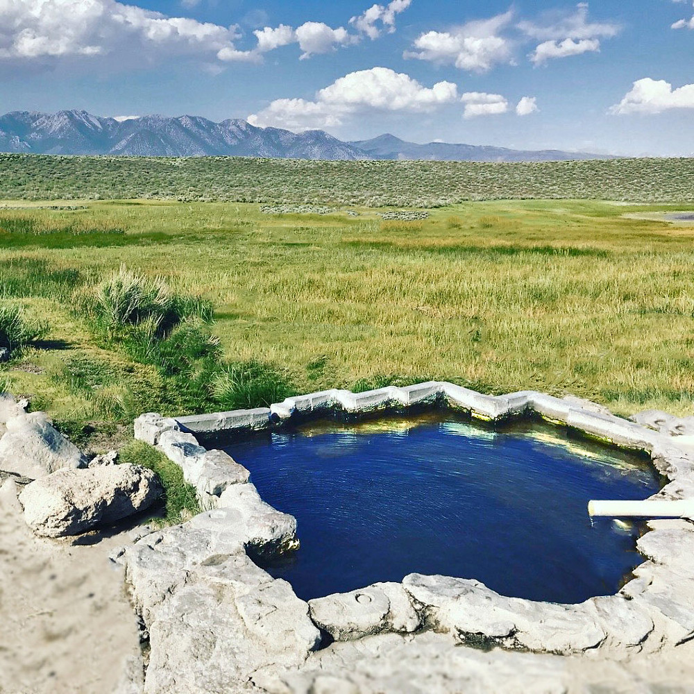 Photo of Shepherd Hot Springs outside of Mammoth Lakes