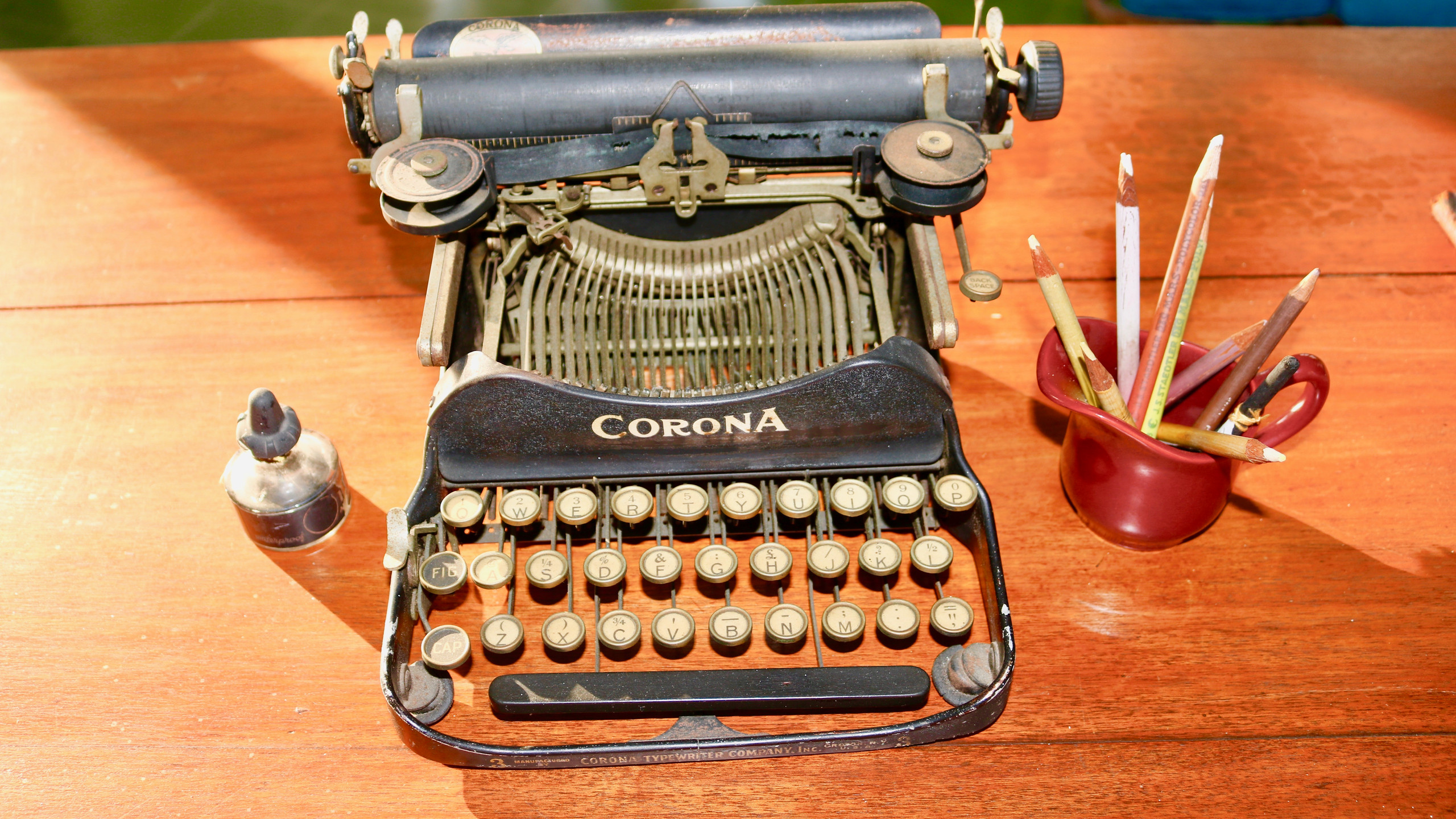 Ernest Hemingway's typewriter on his desk at Finca Vigia in Cuba.
