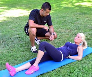 Entrenar con un entrenador personal vs. entrenar por libre