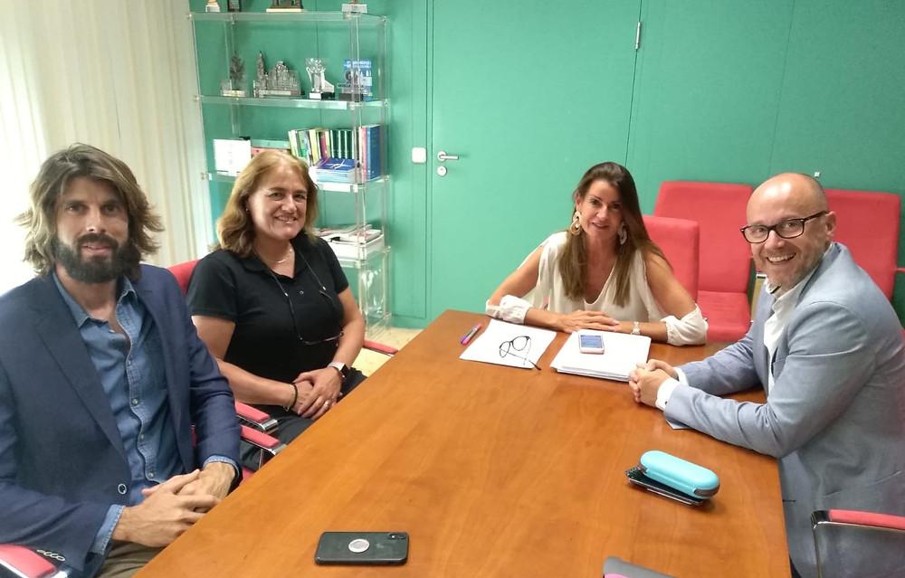 DE izda. a dcha.: Francisco Javier Muñoz, Patricia Sosa, María de Nova y Alejandro Serrano
