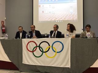 El COLEF Andalucía patrocina una conferencia sobre preparación física