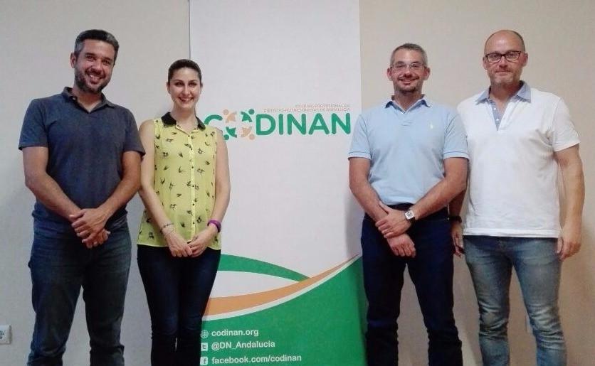 De izq. a dcha.: Antonio Sánchez (experto COLEF Andalucía), Inmaculada Ruiz (secretaria CODINAN), Luis Juan Morán (decano CODINAN) y Alejandro Serrano (presidente COLEF Andlaucía)