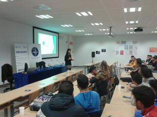 El COLEF Andalucía asiste a las jornadas de orientación profesional del Centro Universitario San Isi