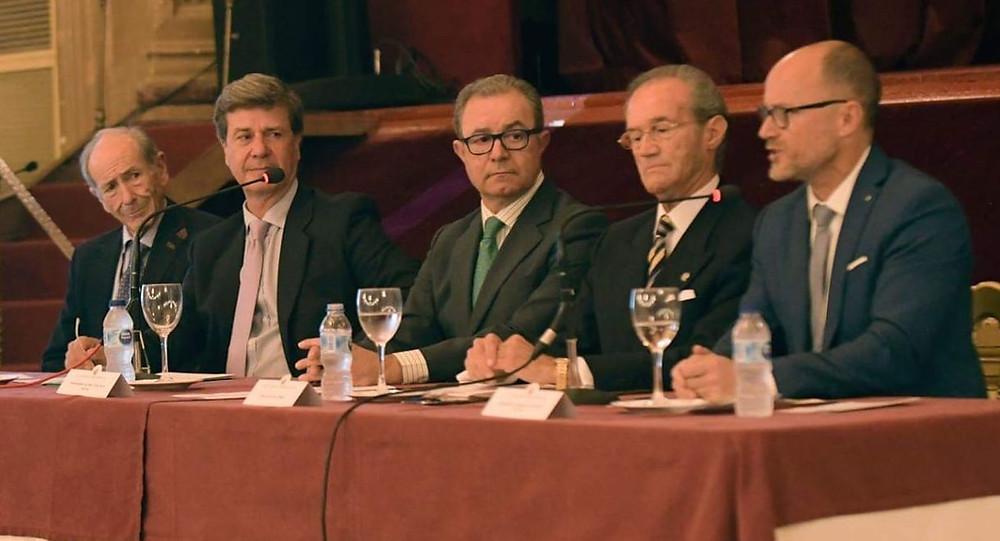 De izda. a dcha.: Fernando Vizcaíno, Cayetano Martínez de Irujo, Nicolás de Bari Millán, Manuel Guillén, Alejandro Serrano.