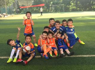 En China, el fútbol está en auge y cuentan «con profesionales cualificados de otros países, como Esp