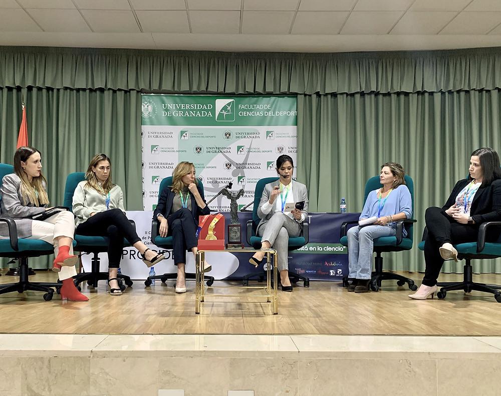 De izda. a dcha.: Lidia Romero, Beatriz Crespo, Carmen Ruiz, Ainara Bernal, Mª José Pedrosa y Sonsoles Hernández