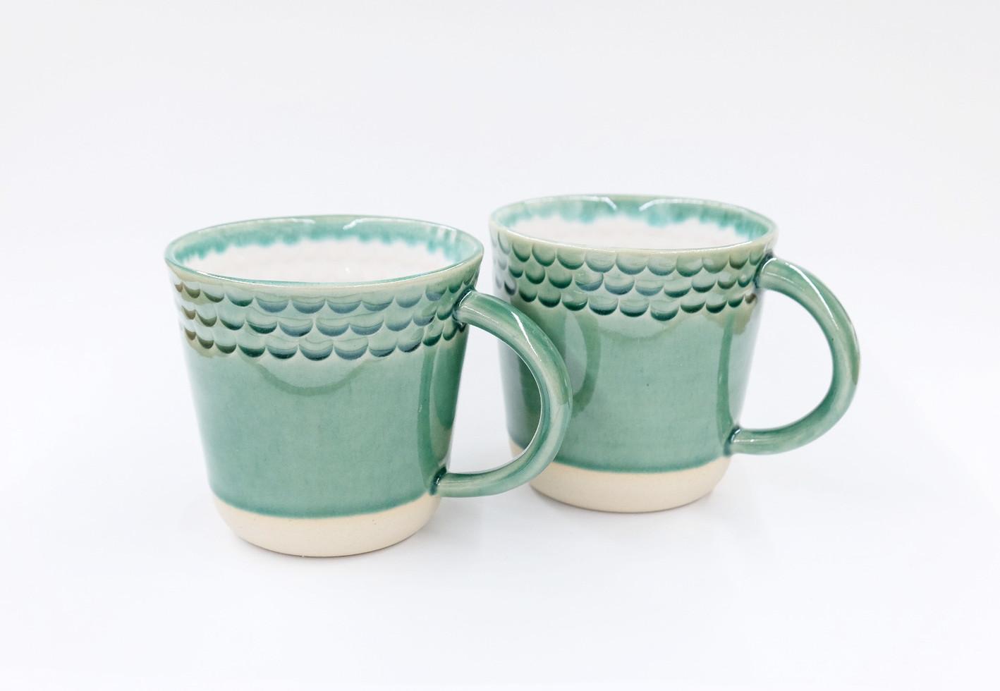 Scalloped Mug Set