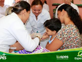 Alunos do Iespes realizam exames em crianças da Umei de Santana