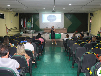 Temática Desaprendizagem é debatida com diretores da rede pública em evento no Iespes