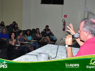 Acadêmicos de Psicologia participam de capacitação sobre atendimento terapêutico