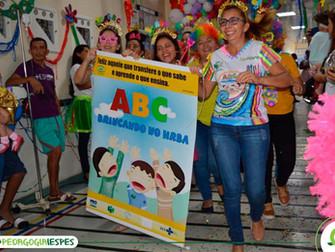 Projeto ABC Brincando participa de ação de Carnaval no HRBA