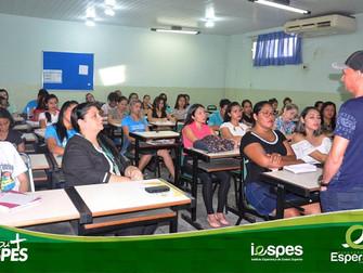 Acadêmicos de Pedagogia participam de encontro do Gefe