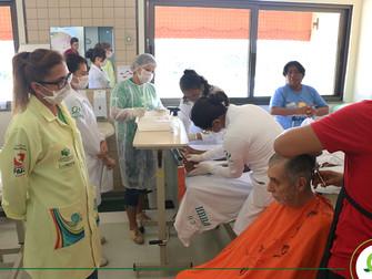 Projeto ABC Brincando proporciona dia de beleza para pacientes funcionários do HRBA