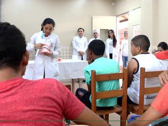 Iespes oferta atendimentos de saúde, beleza e bem-estar na escola Belo de Carvalho