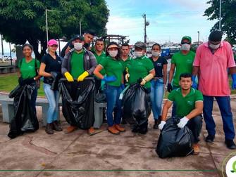 Alunos do Cepes fazem limpeza na orla de Santarém e orientam sobre destinação correta do lixo